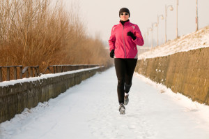 woman-running-in-snow